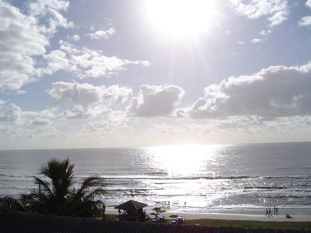 Visual da praia de Matinhos numa manhã de sol