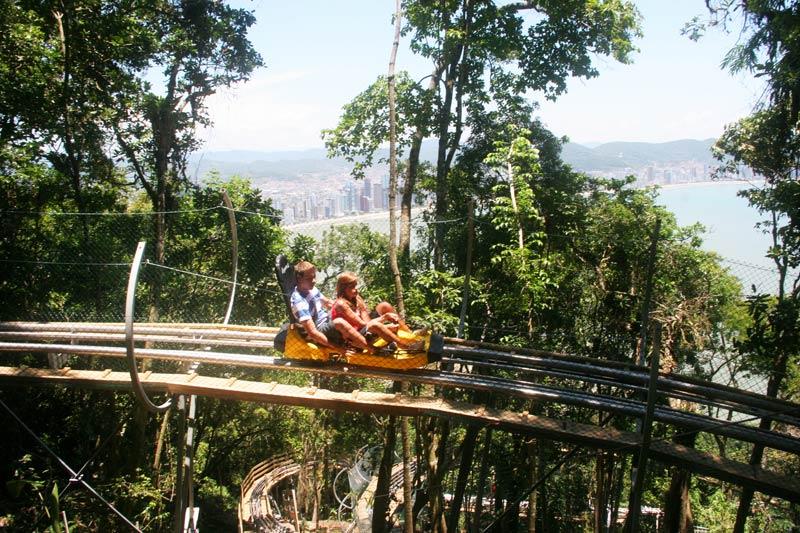 Trenó de montanha — Foto: http://www.unipraias.com.br/estacao-mata-atlantica.php